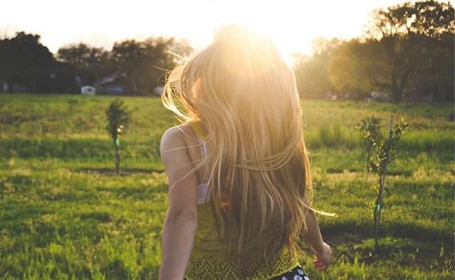 ¿Cómo cuidar el pelo de forma natural? Productos y consejos